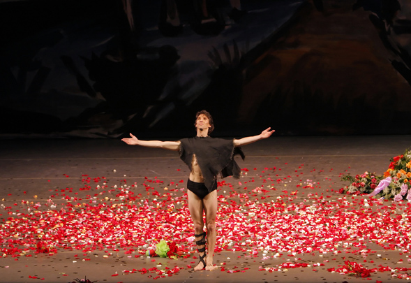 Damian Woetzel's farewell performance at the New York City Ballet was hailed as,