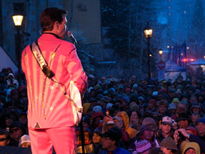 Chris Isaak sang in a pounding snowstorm at Vail on Friday, April 17, two days before the mountain closed. It was a strong season for snowfall, but skier visits and revenues were still down.