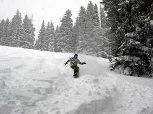 Free shuttle rides out of Minturn Mile to Kirby Cosmos not just because of all the fresh powder